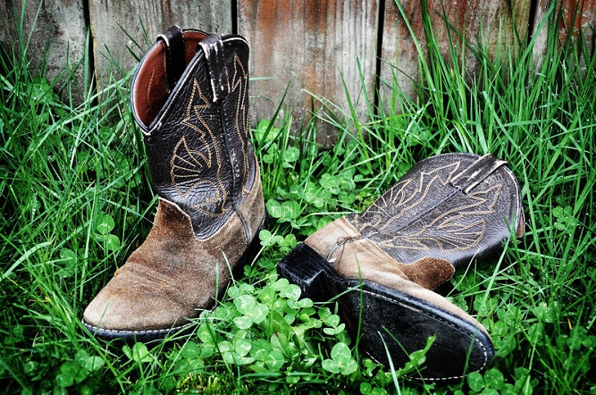 Clean Cowboy Boots Naturally