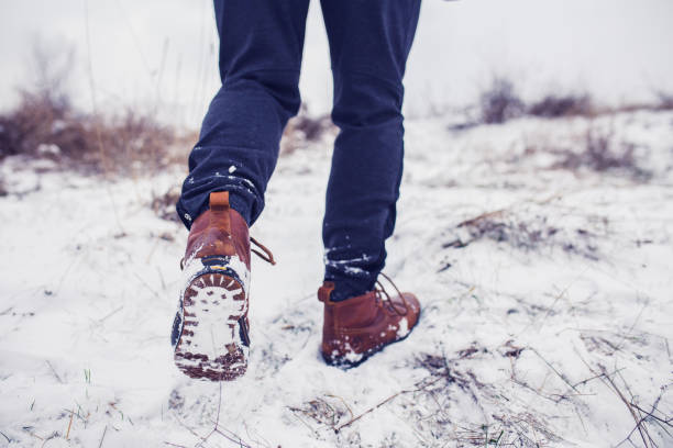 how to keep feet warm in boots