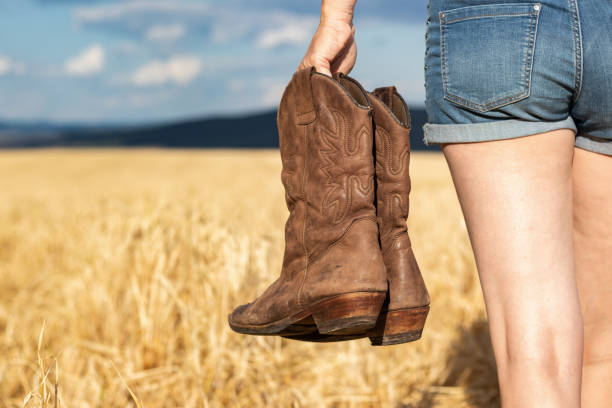how to clean leather cowboy boots